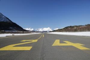 Ørsta/Volda lufthavn er en av 37 plyplasser som nå blir tilgjengelige utenfor åpningstiden. (Foto: Vegard Kolbjørnsrud)